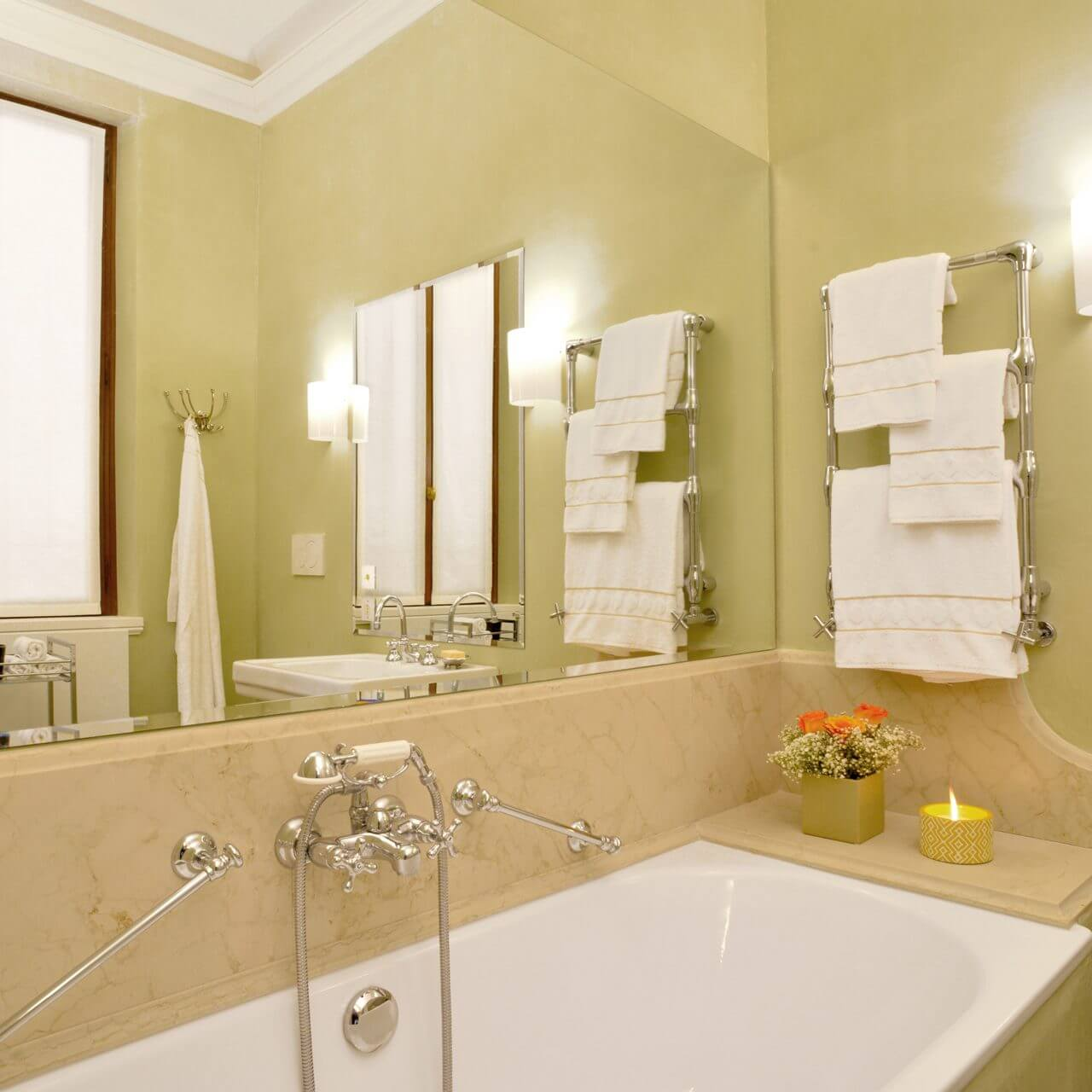 The ensuite master bathroom